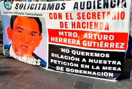 Pensionados del IMSS protestan en Tamaulipas exigiendo devolución de Afore