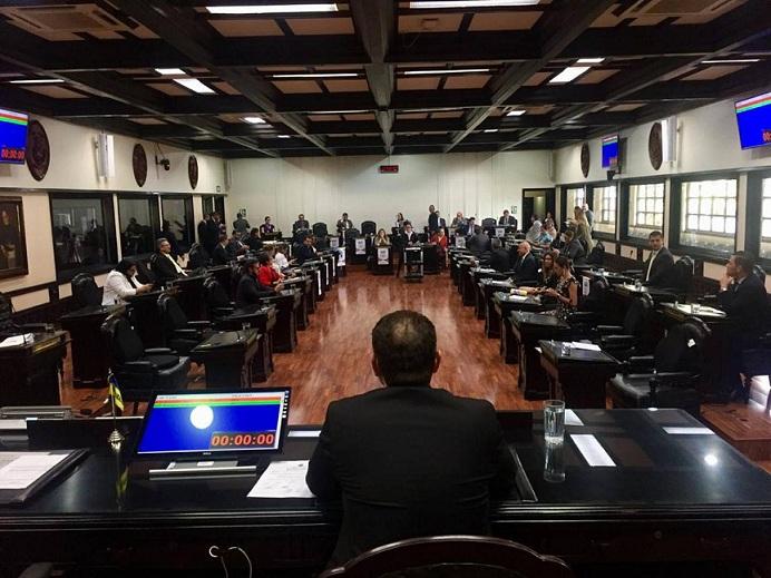 Ciudadanos de Costa Rica, podrán producir su propia electricidad