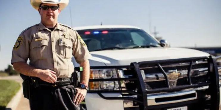 Sheriffs de Estados Unidos dicen que no aplicarán los mandatos sobre la 'vacuna' covid