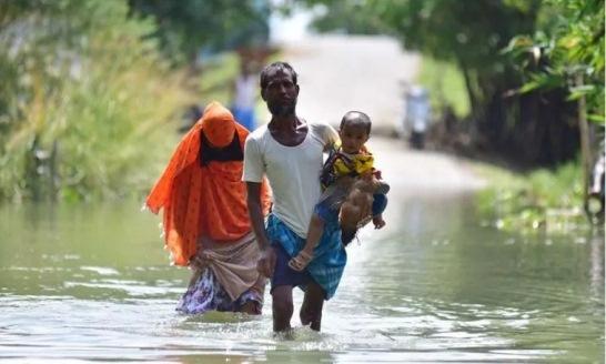 Las inundaciones en la India afectan a cientos de miles de personas