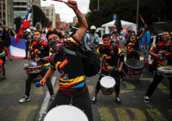 Resurgen protestas en Colombia contra el plan fiscal por la plandemia