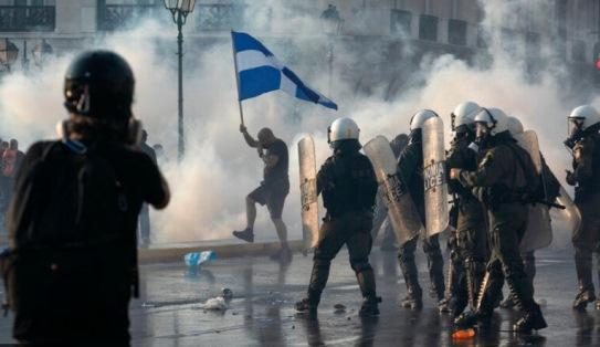 Protestan en Grecia contra vacunación obligatoria por por la plandemia satánica