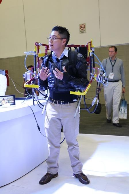 Diseñan exoesquelto para codo que aumenta la fuerza y capacidad de carga del usuario