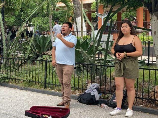 En Guerrero, tenores llevan la ópera a las calles de Chilpancingo