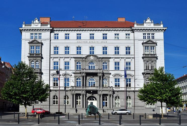 """Tribunal Supremo de República Checa anula el mandato de cubrebocas, y pide """"evidencias científicas"""""""