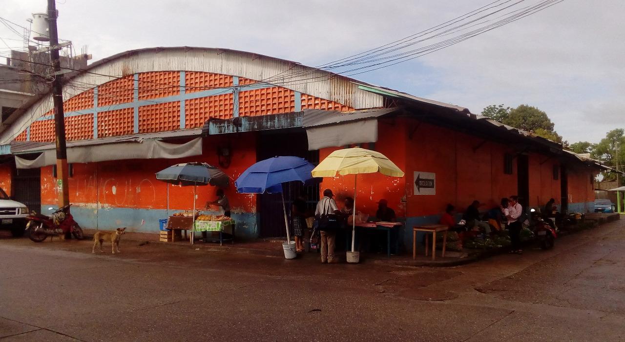En Tabasco, paran obra de mercado en el Municipio de La Venta