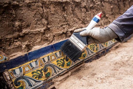 En Perú, descubren los restos de una capilla del siglo XVII bajo una plaza